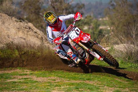 racer x online motocross supercross news racer x films crf250r off road