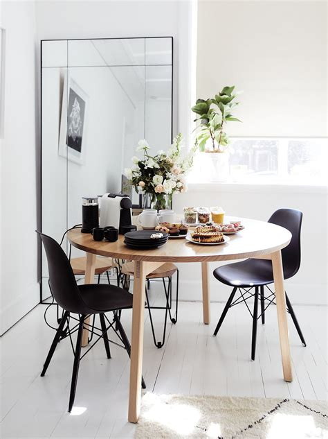 Minimalist Dining Room Theamphlettscom