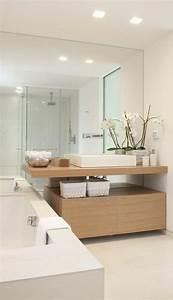 Bilder Bäder Einrichten : erstaunliches bad mit gro em spiegel badezimmer pinterest erstaunlich spiegel und b der ~ Sanjose-hotels-ca.com Haus und Dekorationen