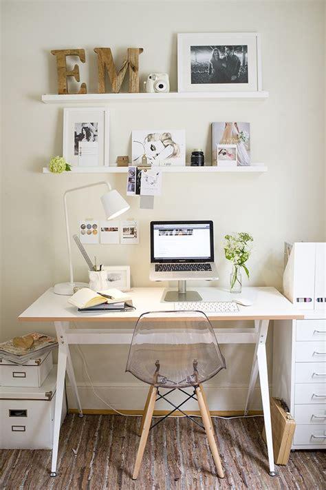 Bedroom Desk Ideas by Best 10 Small Desk Bedroom Ideas On Small