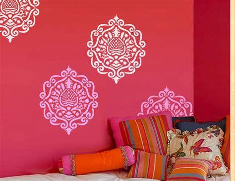 1000 id 233 es 224 propos de pochoirs muraux marocains sur conception de la peinture
