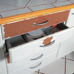 adhesif pour porte de placard cuisine revetement adhesif mural cuisine relooker sa cuisine soi