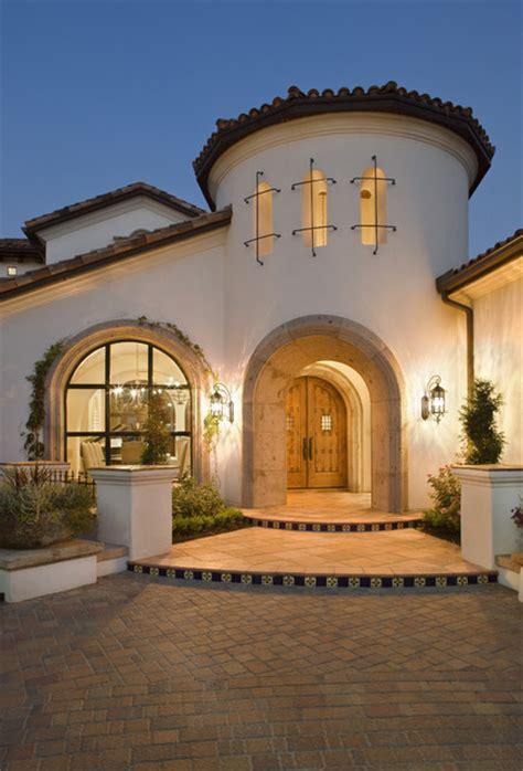spanish style homes  courtyards spanish mediterranean style home california spanish