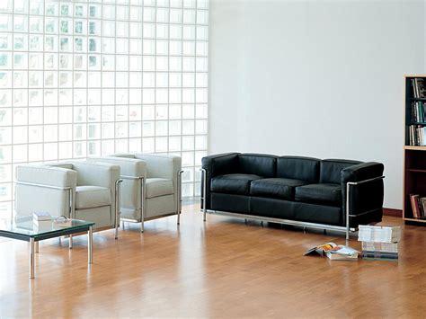 canape lc2 le corbusier cassina lc2 sofa by le corbusier jeanneret perriand 1928 designer