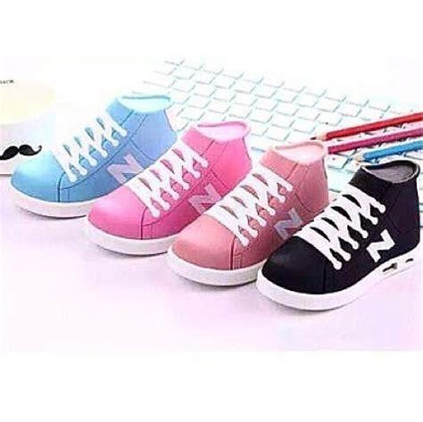 Harga Kasut Jenama New Balance adelashoppe power bank kasut sneakers adidas nike new balance