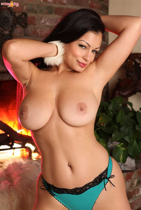 Busty Aria Giovanni Big Ass Milf Picture