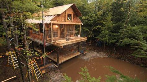 building wild double decker cabin timelapse