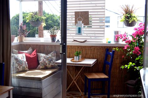 decorating a small apartment balcony in la tropical