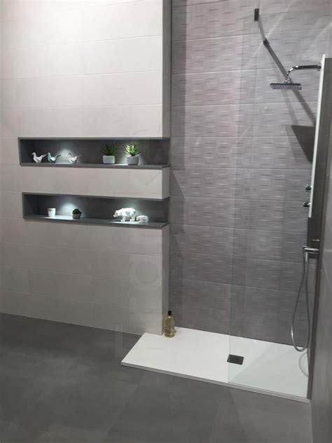 betonoptik wand bad badezimmer in betonoptik bad ablage fliesen dusc