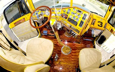 16 Super Semi-truck Customizations That'll Blow You Away