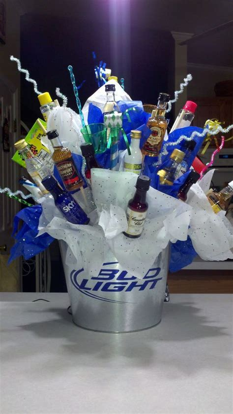 awesome fathers day gift basket ideas  men