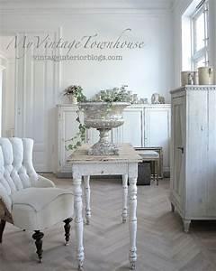 Shabby Chic Stühle : dsc 0026 white and shabby ~ Orissabook.com Haus und Dekorationen