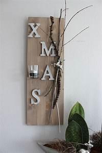 Säulen Aus Holz : aw40 weihnachtswanddeko holzbrett nat rlich dekoriert mit x mas schriftzug aus holz einem ~ Orissabook.com Haus und Dekorationen