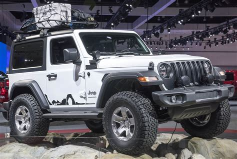 Jeep With Two Doors by Jeep Shows Two Mopar Modded Wranglers