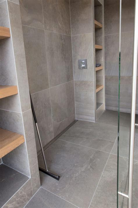 Kleines Badezimmer Größer Wirken Lassen by Badezimmer Ideen F 252 R Kleine B 228 Der Easy Drain