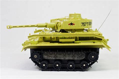 hibious tank amphibious panzer tank yellow