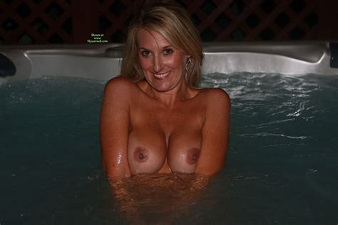 Nude Wife Hot Tub Hottie August Voyeur Web