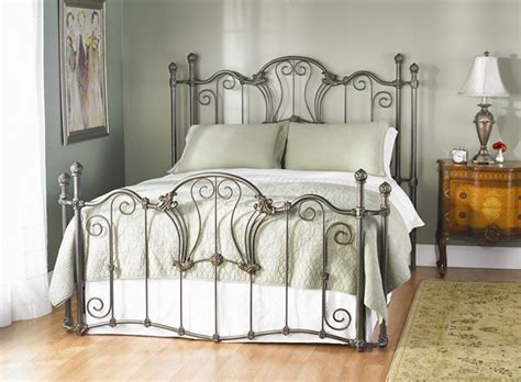 1000+ Images About Iron Beds On Pinterest