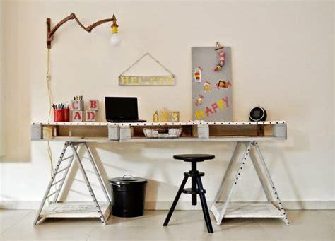 bureau palette bureau en bois 34 idées diy très cool en palette europe