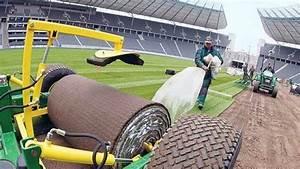 Neuer Teppich Wellt Sich : frischer rasen ein neuer teppich f rs olympiastadion ~ A.2002-acura-tl-radio.info Haus und Dekorationen