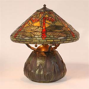 Tiffany table lamp purple table lamp tiffany table lamps for Table lamp wikipedia