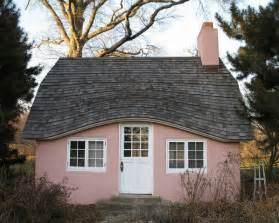 Pink House Photo by Pink Houses