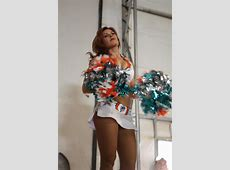 DVIDS News Miami Dolphin cheerleaders visit Marines at