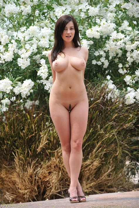 Gorgeous Busty Brunette Model Posing Nude Outdoors Pichunter