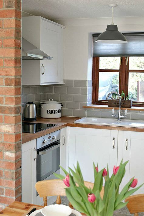 metro kitchen tiles country charm and the appeal of a metro tile 4105