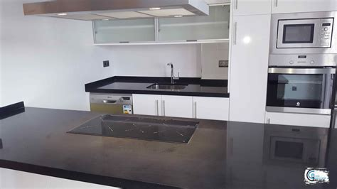 cocina formica ar blanca  silestone negro anubis