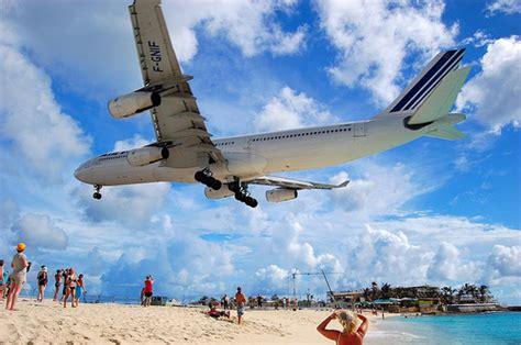 maho beach  st marteen planes landing   head
