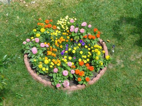 small garden flower beds round flower garden ideas