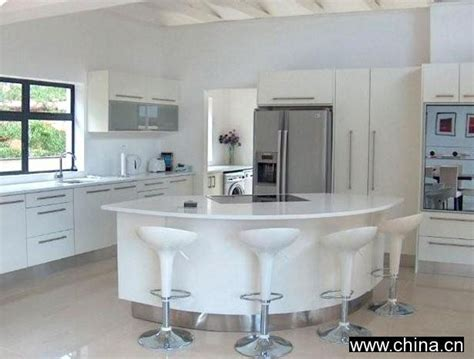 kitchen island manufacturers high gloss kitchen cabinets high gloss white spray