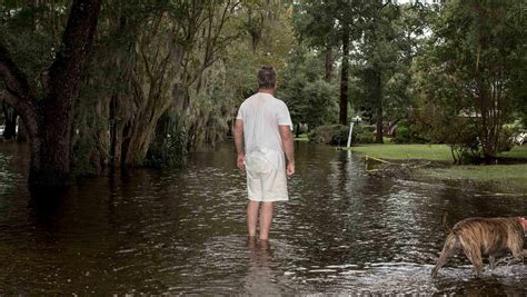 hurricane florence poses floodwater risk  north carolina