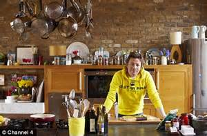 cuisine tv oliver 30 minutes oliver to launch his 15 minute meals as special daily mail