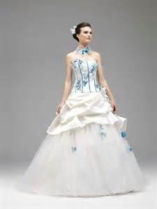 robes de mariã s robe de mariée bleu et ivoire robe de mariée décoration de mariage