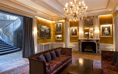 savile club drawing room