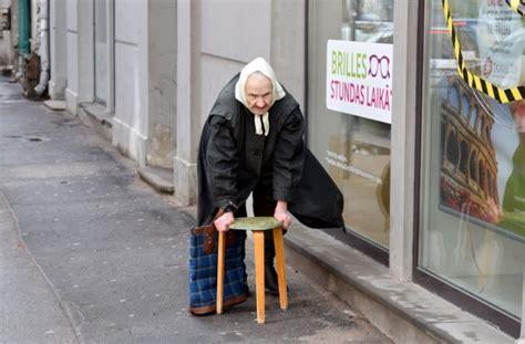 Aptauja: Reģionos ārsta apmeklējumam pensionāri tērē visu ...