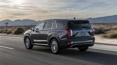 Maybe you would like to learn more about one of these? 2020 Hyundai Palisade Is a Three-Row Flagship with Luxury ...