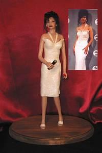 LMA SCULPTURES: Selena