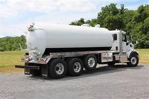 5000-gallon Septic Truck