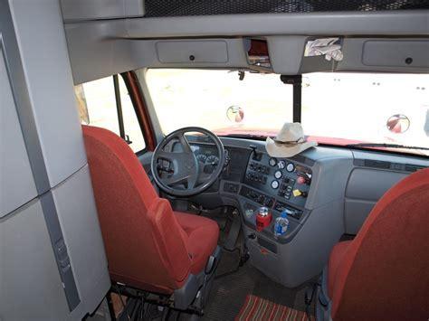 2004 Freightliner Columbia Custom Made 45ft   Alabamak