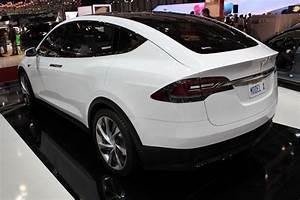 Tesla Porte Papillon : en direct du salon de gen ve 2013 tesla model x l 39 in vitable suv ~ Nature-et-papiers.com Idées de Décoration