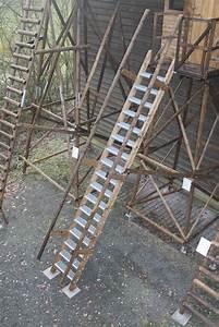 Geländer Für Treppe : hochsitz treppe f r unterbau 235 cm holz raum holzbau f r jagd und hund ~ Markanthonyermac.com Haus und Dekorationen