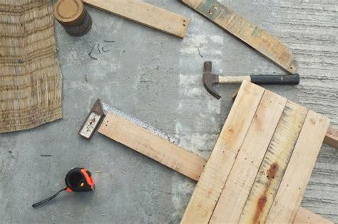 fabriquer un fauteuil en fabriquer un fauteuil en palette maison design bahbe