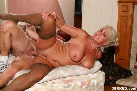 hot blonde mature hardcore fucking pichunter
