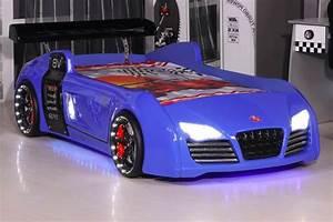 Lit Voiture Garcon : le lit voiture pour la chambre de votre enfant ~ Teatrodelosmanantiales.com Idées de Décoration