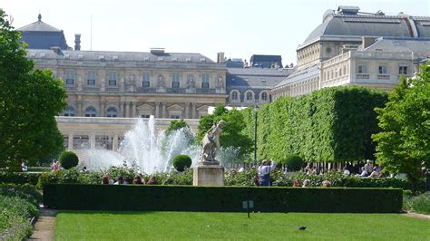 Paris Zigzag  Insolite & Secret  Les Secrets Du Palaisroyal