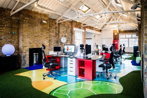 Funky Workspaces With Artistic Flair : Bizzby's Colorful And Open London Offices