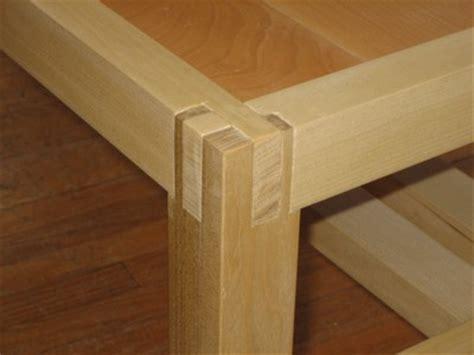 bunk bed design plans    corner joint wood